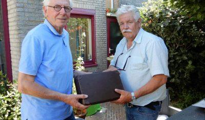Historische Kring ontvangt historische documenten