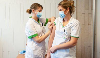 Vaccinatie zorgpersoneel regio Hollands Midden start 15 januari
